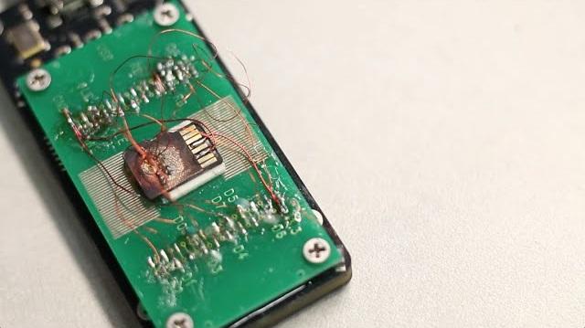 Malgré sa petite taille, il est possible de réparer une carte microSD
