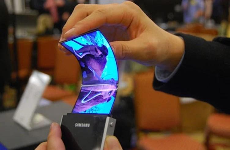 Souplesse ! Le smartphone pliable de Samsung ne se plierait pas entièrement sur lui-même