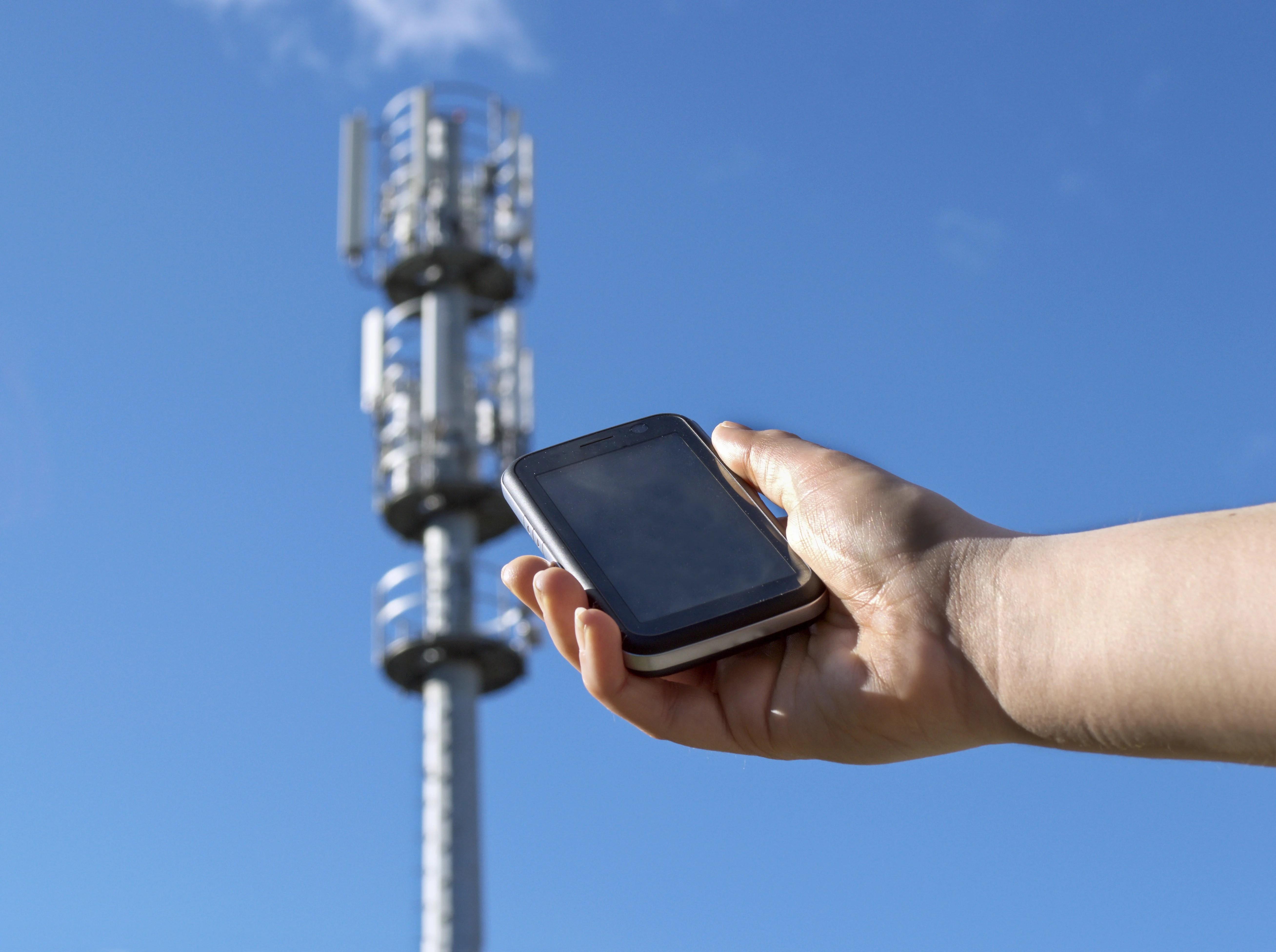 Les 4 opérateurs déposent des dossiers pour les fréquences 900, 1800 et 2100 MHz pour une couverture totale en 4G