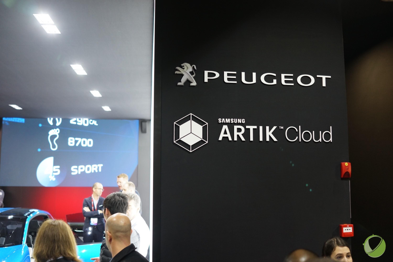 Instinct Concept : pourquoi Peugeot et Samsung collaborent-ils au MWC ?