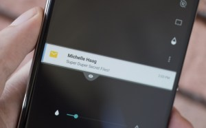 BlackBerry Privacy Shade, l'application qui vous permet de cacher vos données (à votre voisin de métro)