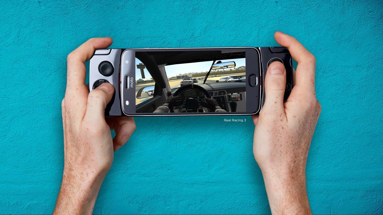 Motorola donne un air de Nintendo Switch aux Moto Z, et autres Moto Mods
