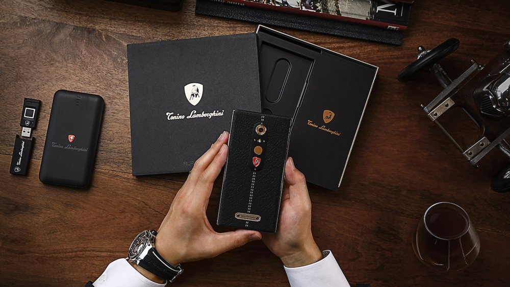 Alpha One : le smartphone de luxe selon Lamborghini