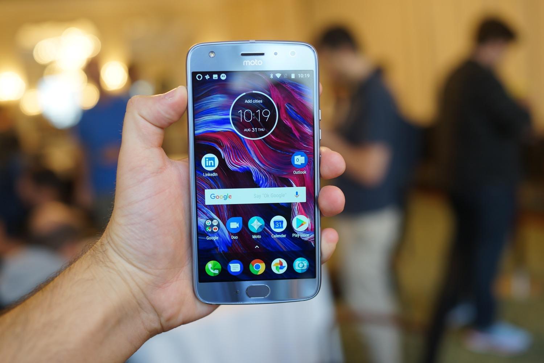 Prise en main du Motorola Moto X4 avec son double capteur photo grand angle