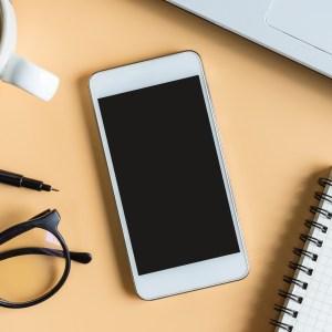 Que faites-vous de vos smartphones ? Plus de 4G, moins d'appels et de SMS, selon l'Arcep