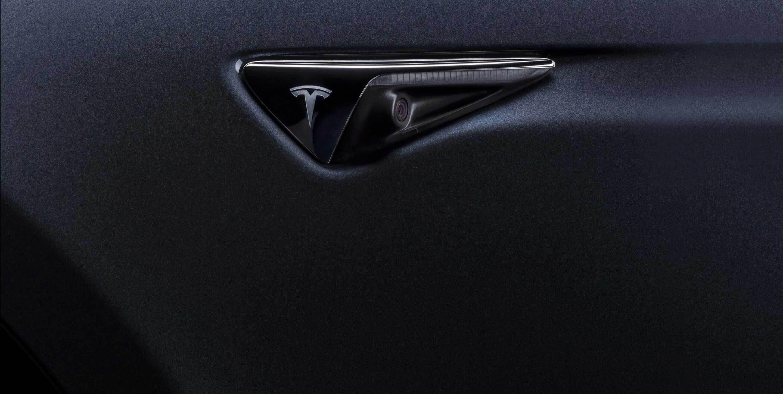 Tesla : les anciennes voitures devront changer de caméra pour la conduite autonome