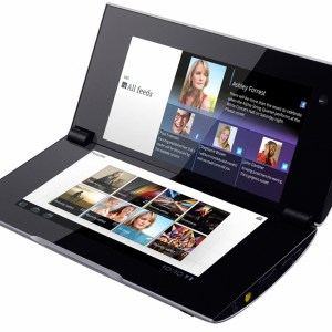 ZTE Axon Multy : un smartphone dépliable à deux écrans serait lancé en octobre
