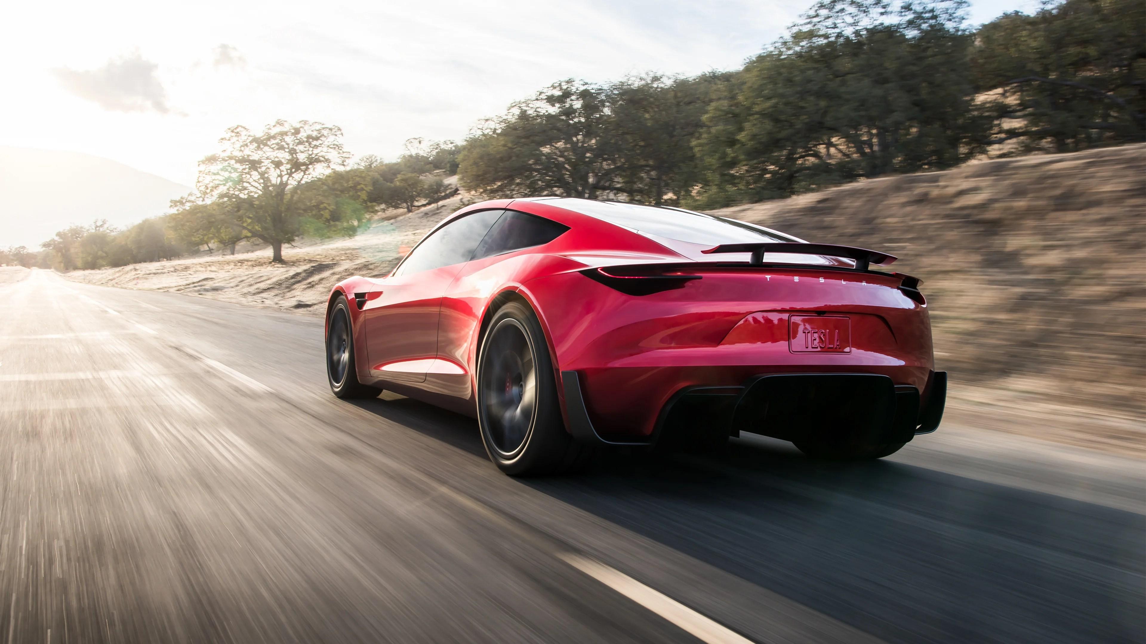 Accélération de la Tesla Roadster, mise à jour de Windows 10 et 4G++ chez Free Mobile – Les actualités de la semaine