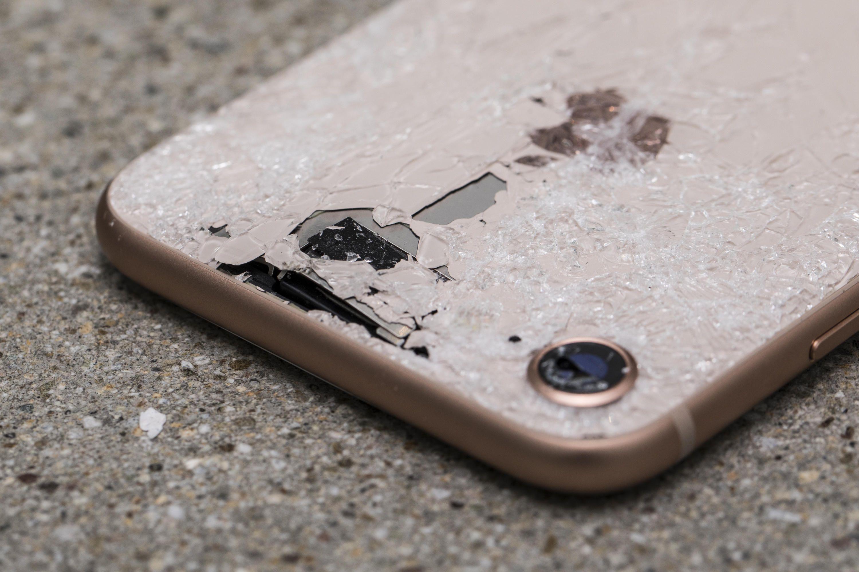 Des smartphones de plus en plus beaux… et de plus en plus fragiles