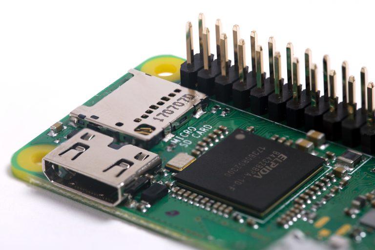 Raspberry Pi Zero WH, plus simple grâce à son port GPIO intégré pour seulement 15 euros