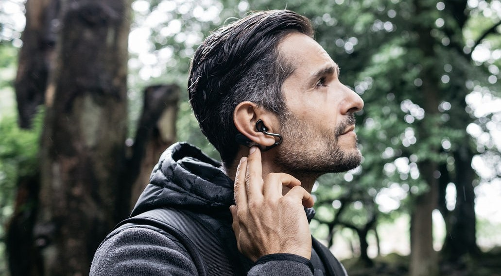 Sony Xperia Ear Duo : deux oreillettes bluetooth pour écouter sa musique sans se couper du monde réel – MWC 2018