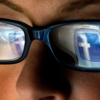 Facebook : 200 applications épinglées pour atteinte aux données personnelles