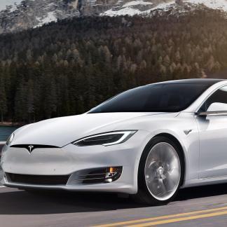 Tesla : rappel de 123 000 véhicules pour un problème de direction assistée