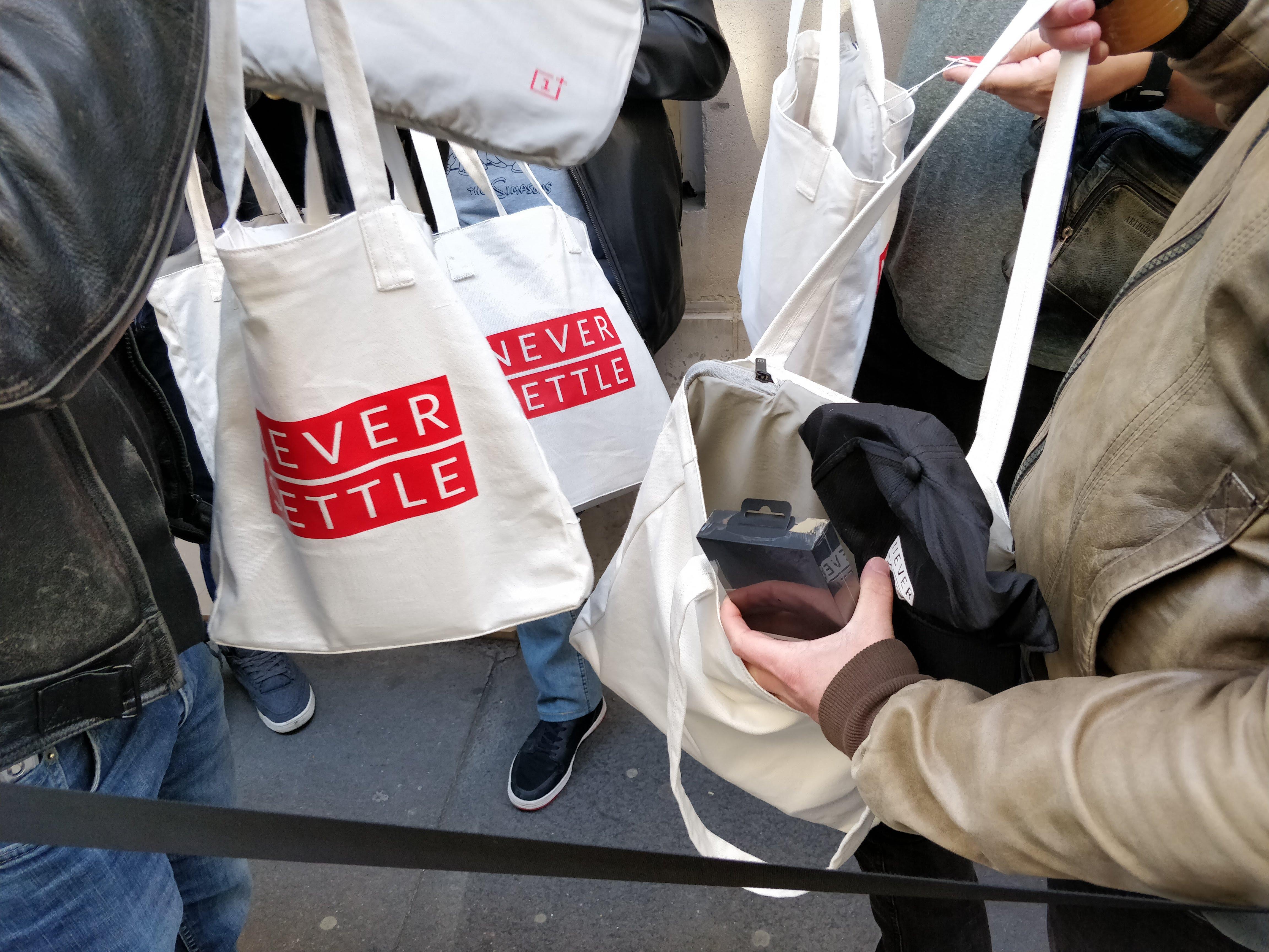 OnePlus 6T : des pop-up stores aux quatre coins de France pour le lancement