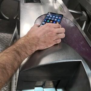 Pass Navigo: vous allez pouvoir recharger votre carte sur votre iPhone… mais c'est tout!