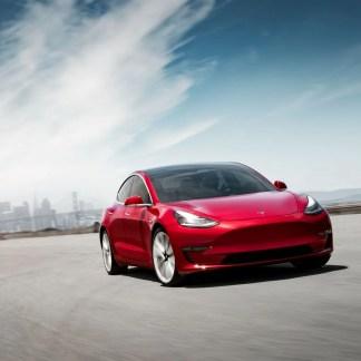 L'Autopilot Tesla 57 % plus cher, « un investissement » selon Elon Musk
