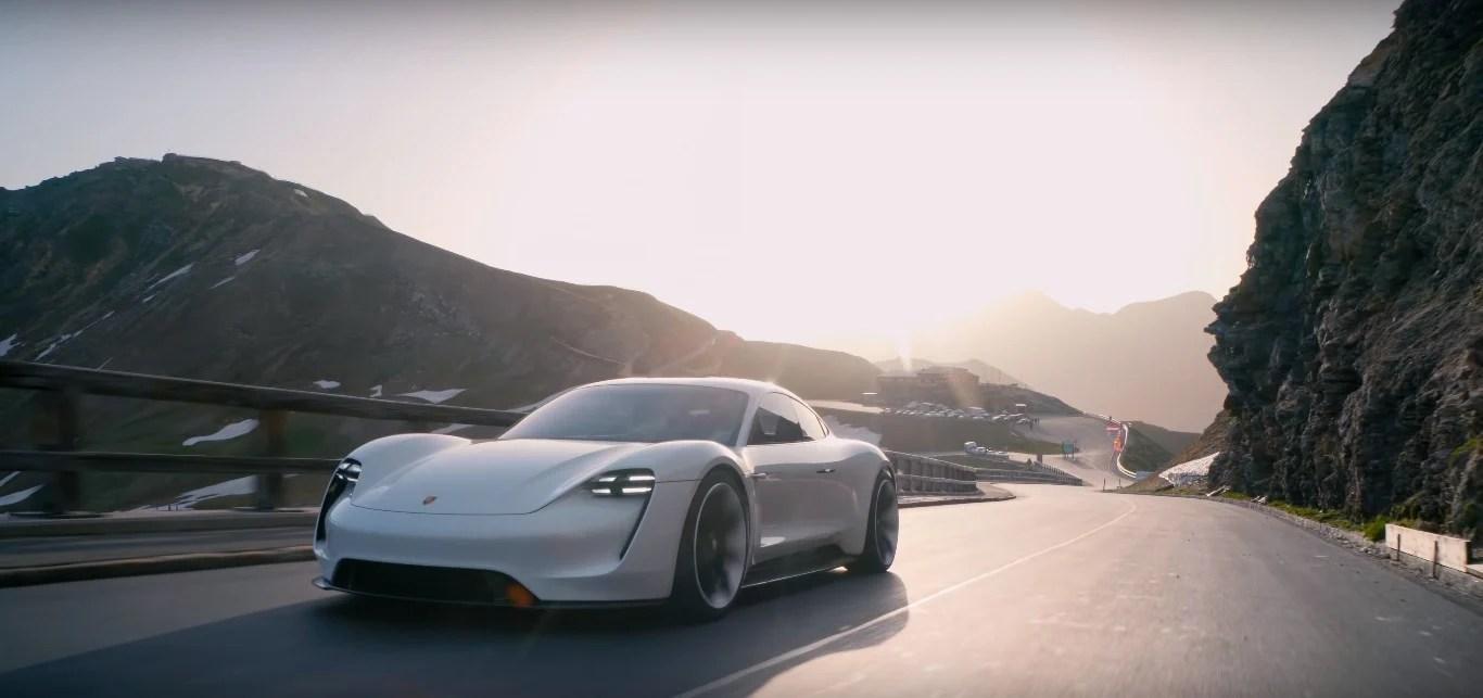 Porsche : quand le drone DJI Mavic 2 sublime la classieuse Taycan électrique