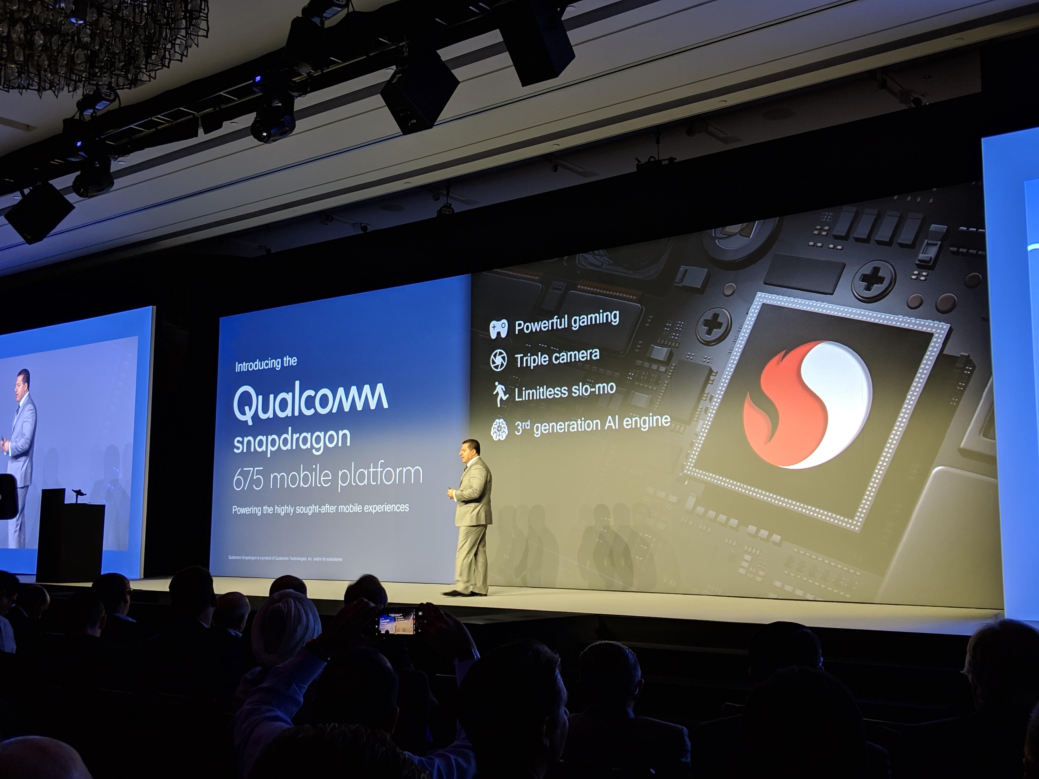 Qualcomm annonce son Snapdragon 675 : déverrouillage facial 3D, gestion de trois caméras et Quick Charge 4+