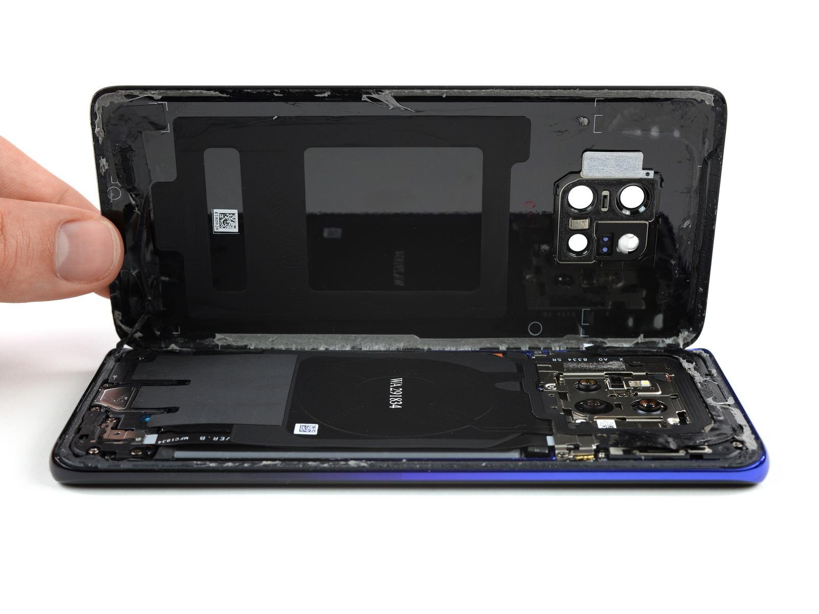 Le Huawei Mate 20 Pro se fait démonter (par iFixit)