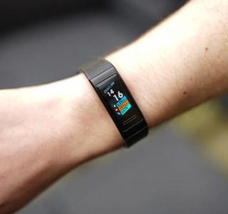 Test du Huawei Band 3 Pro : un bracelet couleur et GPS pour moins de 100 euros