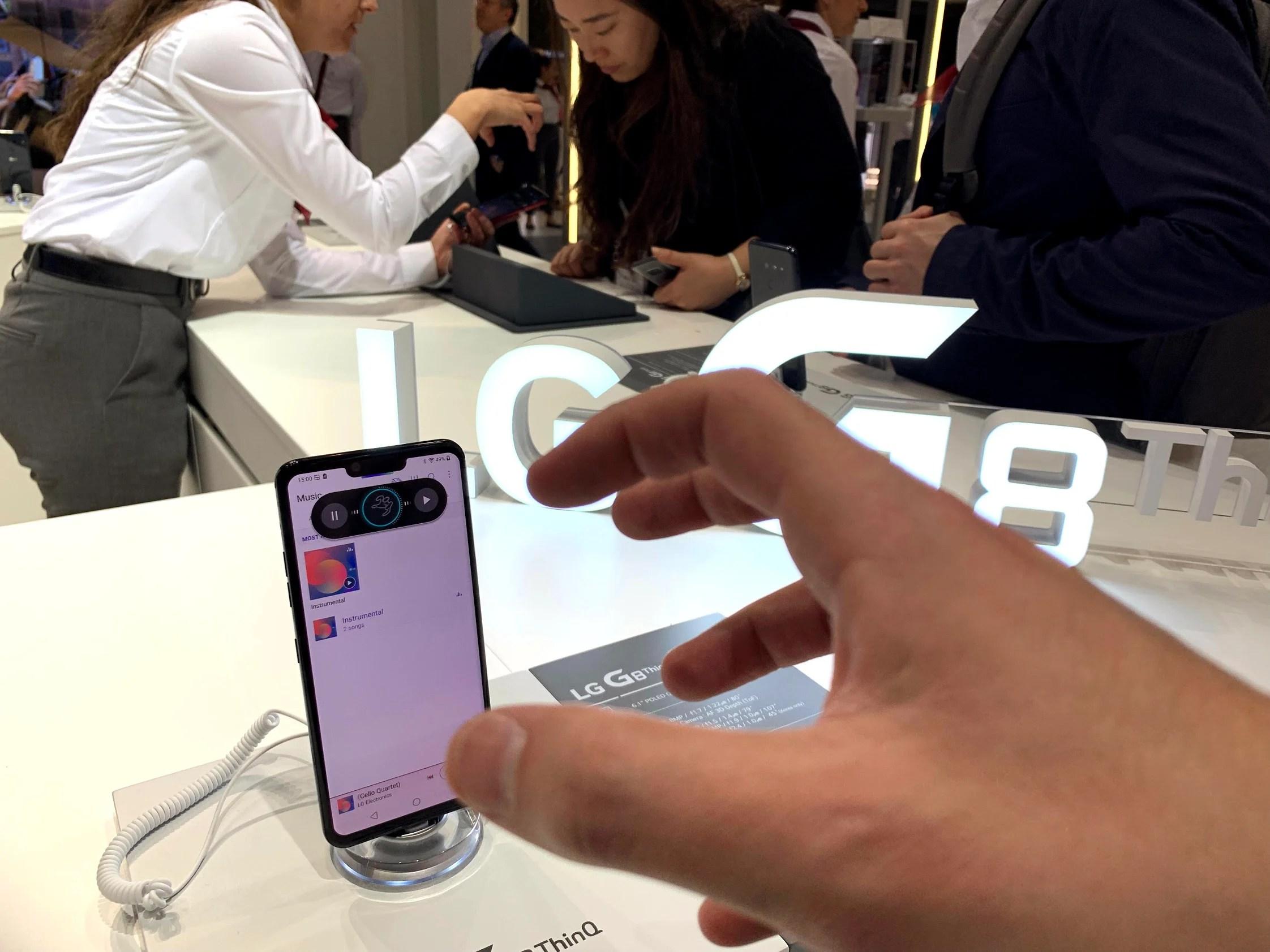 LG G8 ThinQ : j'ai essayé la reconnaissance de mains au MWC 2019, et c'est pas super au point
