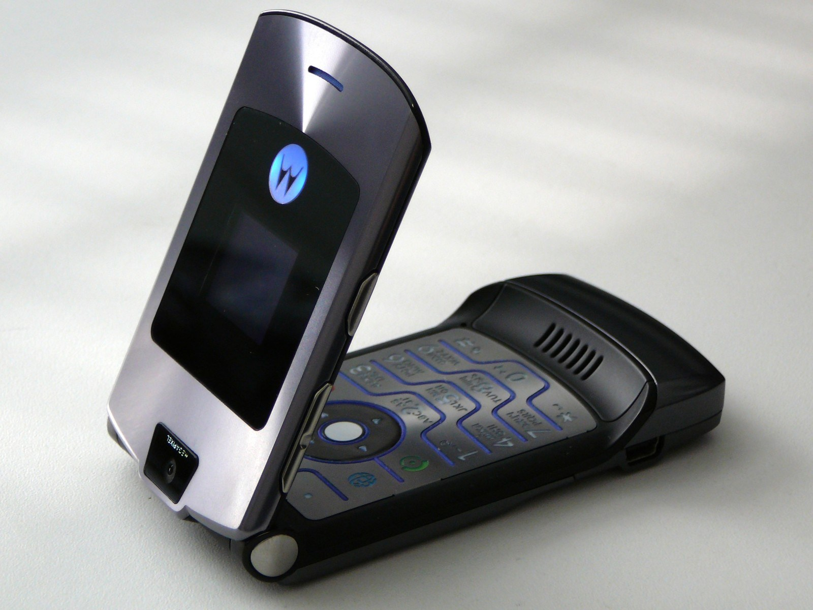Motorola va aussi sortir son smartphone pliable, avec une dose de nostalgie – MWC 2019