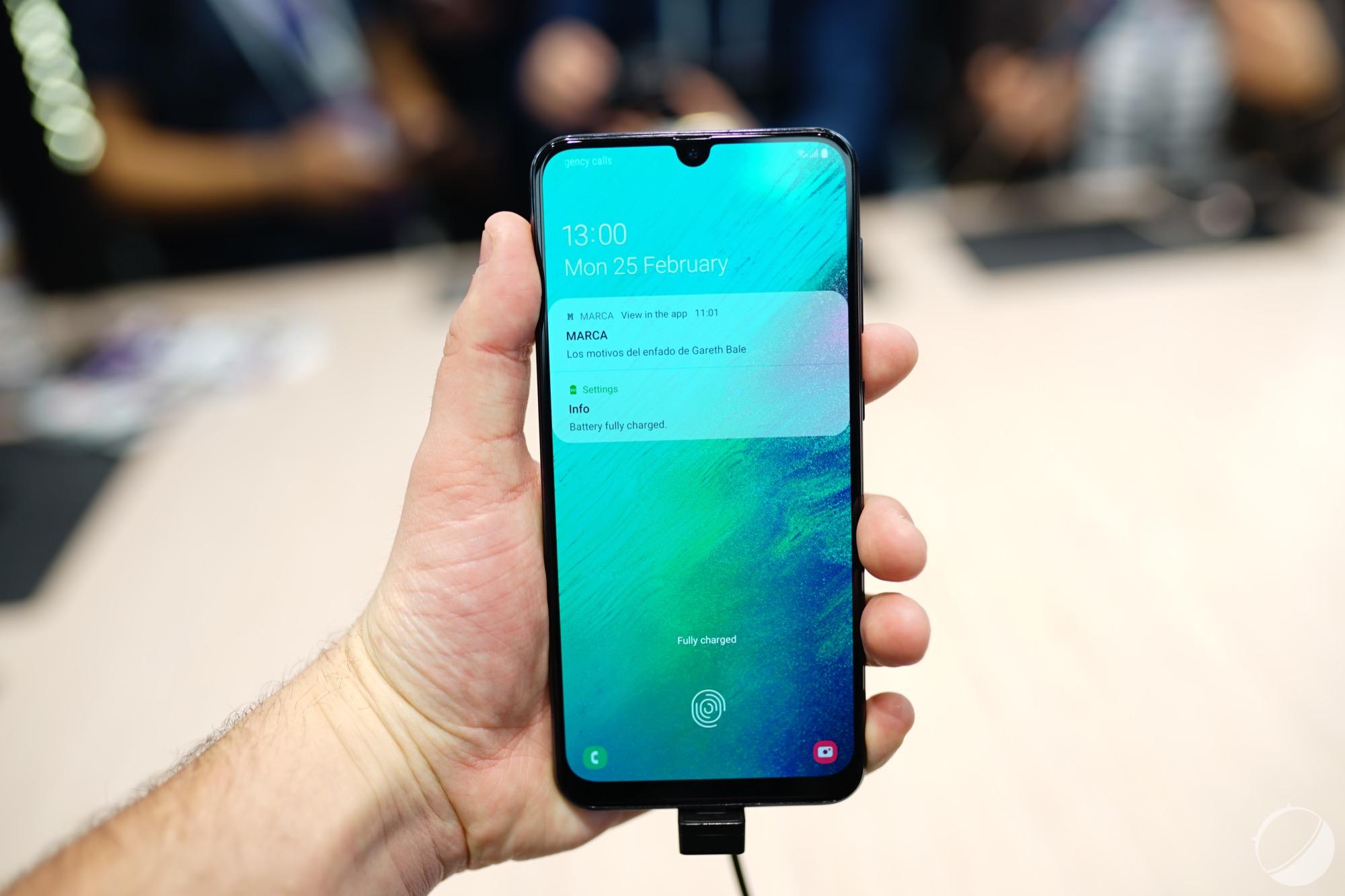 Galaxy A90 : Samsung confirme qu'il n'aura pas d'encoche