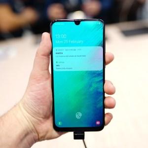 Prise en main du Samsung Galaxy A50 : il a presque tout d'un grand