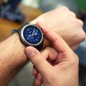 Play Store : des applications Wear OS mieux mises en valeur pour préparer l'arrivée de la Pixel Watch