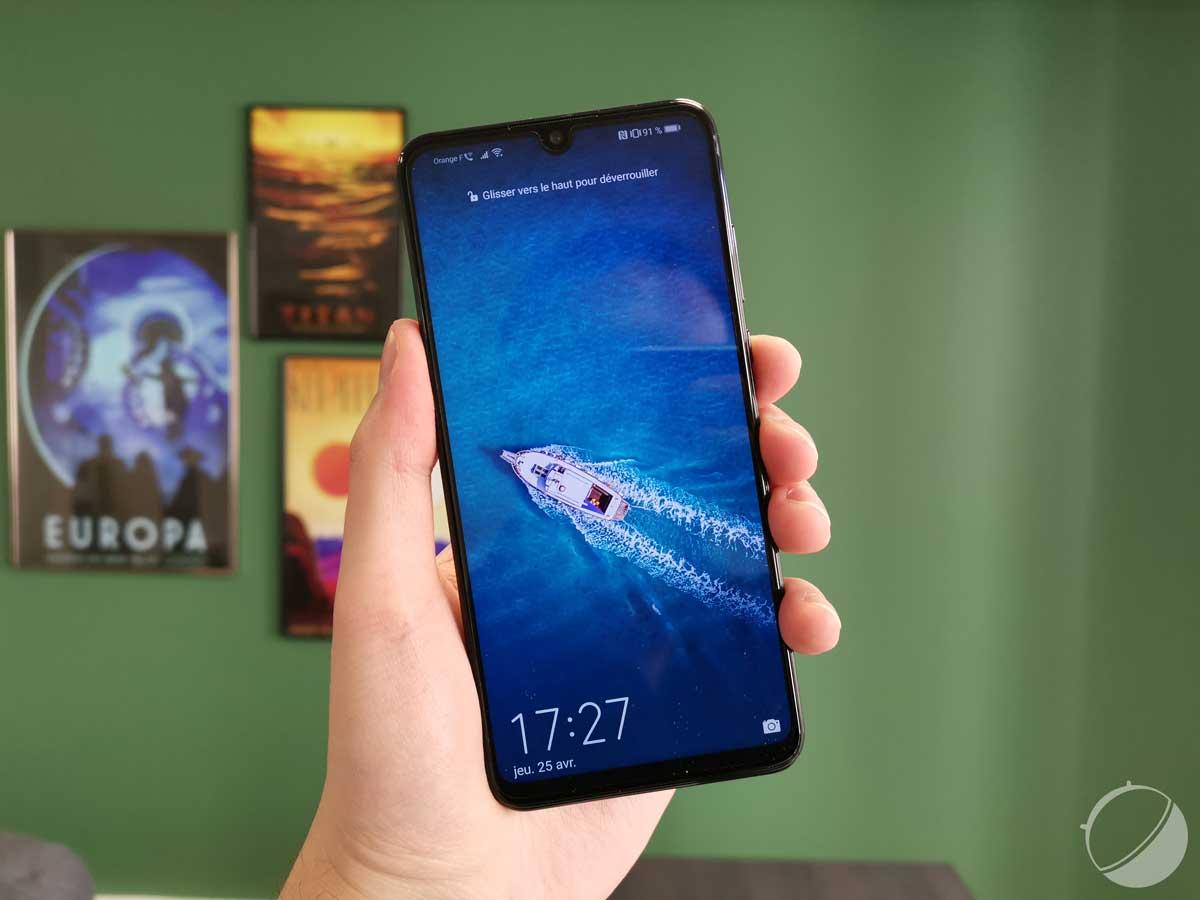 Le Huawei P30 Lite est disponible en France : voici son prix en euros