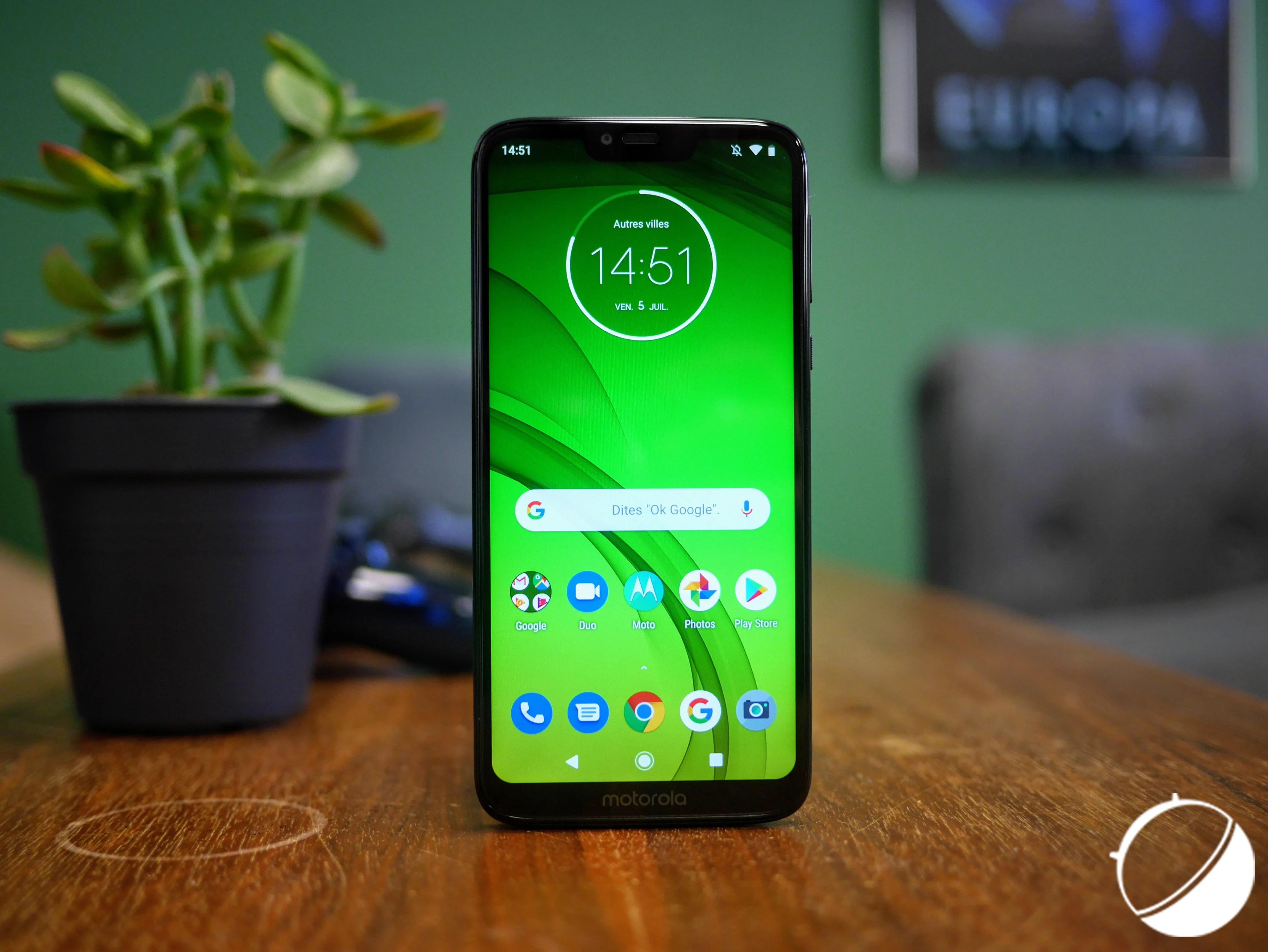 Motorola et iFixit : adieu SAV, réparez votre smartphone vous-même (la planète vous dira merci)