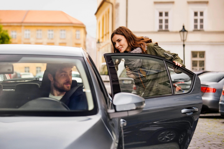 Uber va imposer le port de masques à ses passagers pour le déconfinement