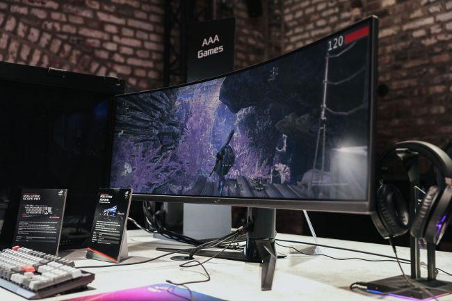 Asus ROG: 899 euros pour son écran 43 pouces 4K/120 Hz «abordable»