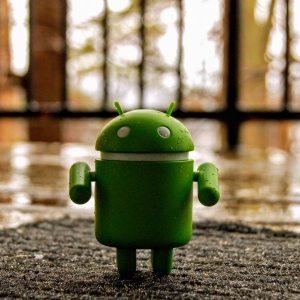 Android 11 pourrait faciliter la vie des bidouilleurs sur ADB