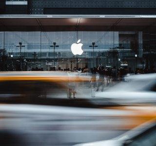 Apple : les ventes d'iPhone trébuchent au profit de l'iPad, de l'Apple Watch et des services