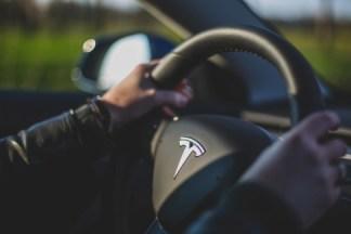 Contre toute attente, Tesla affiche d'excellents résultats et avance la production de la Model Y