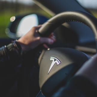 Contre toute attente, Tesla affiche d'excellents résultats et avance la production de la Model Y