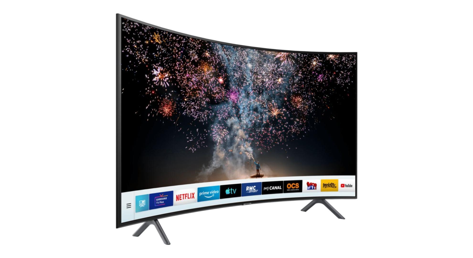 Le TV LED incurvé de Samsung en 49 pouces, compatible 4K HDR, est à 449 euros
