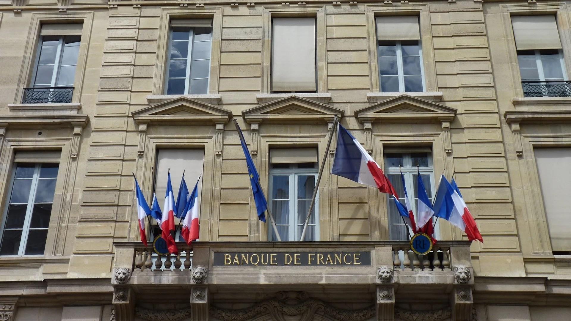 Comment changer de banque facilement grâce à la loi Macron ?