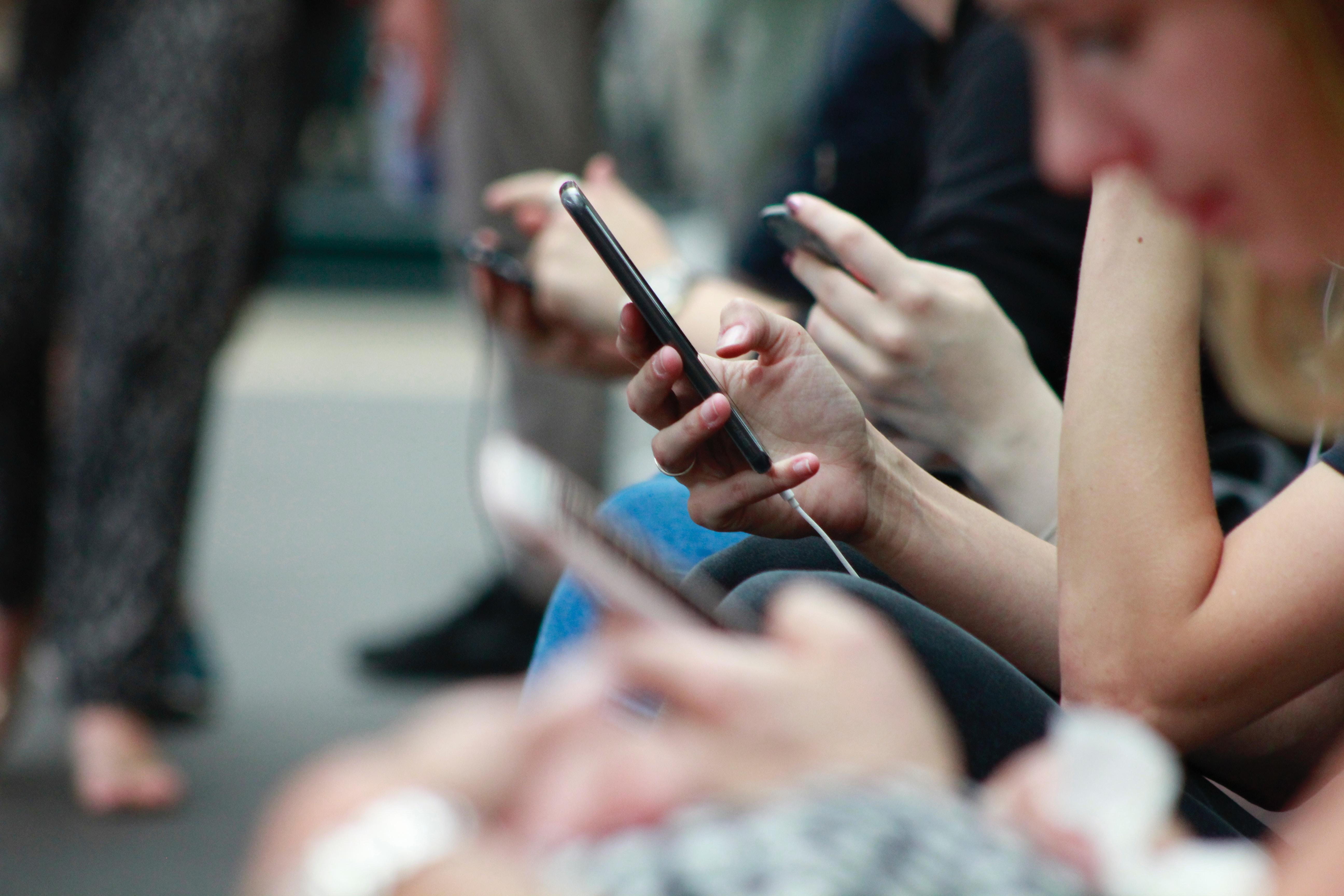 Forfait Bouygues : 50 Go, data illimitée le week-end, SMS et appels illimités pour 11,99 €/mois à vie