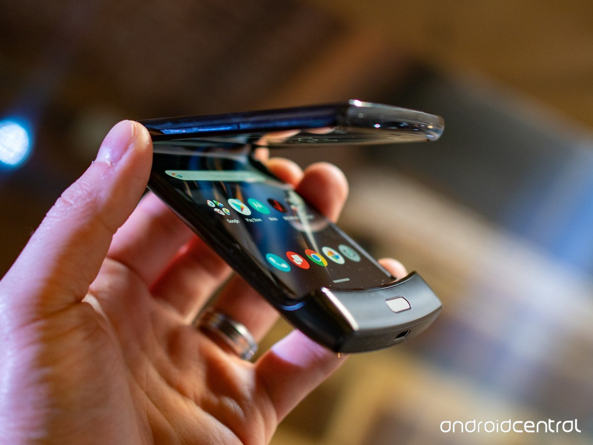Motorola lance son RAZR pliable, SFR va bien et Apple joue les snobs – Tech'spresso