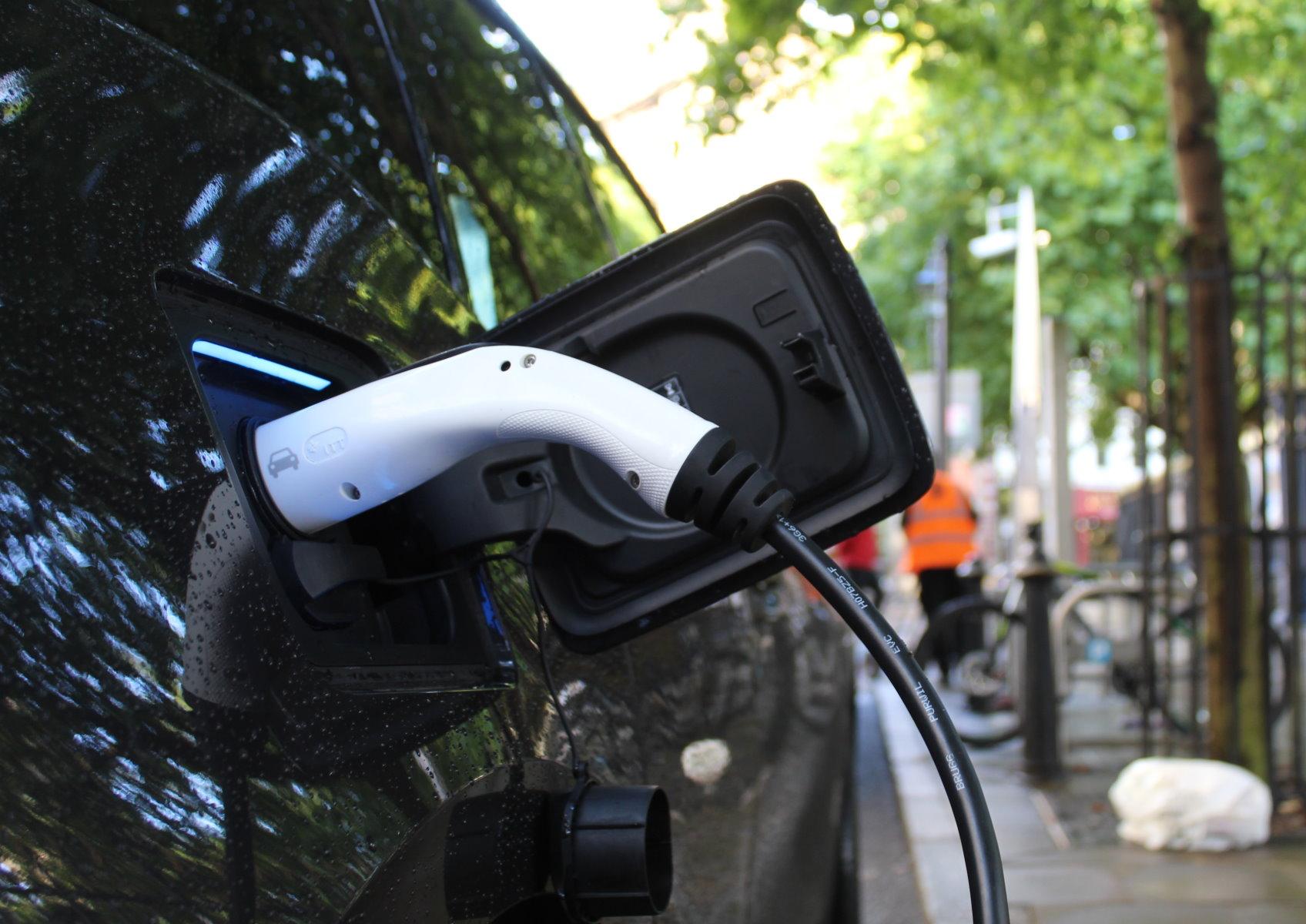 Véhicules électriques : Google Maps vous aide à trouver des prises compatibles