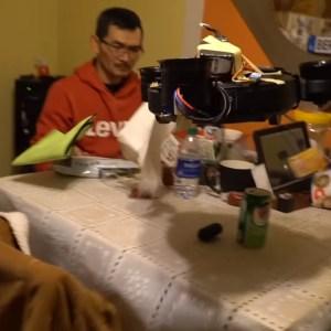 Ce YouTuber combine aspirateur-robot et drone : une idée peut-être pas si folle