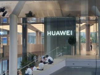 5G : Huawei va créer des usines en Europe pour rassurer l'UE