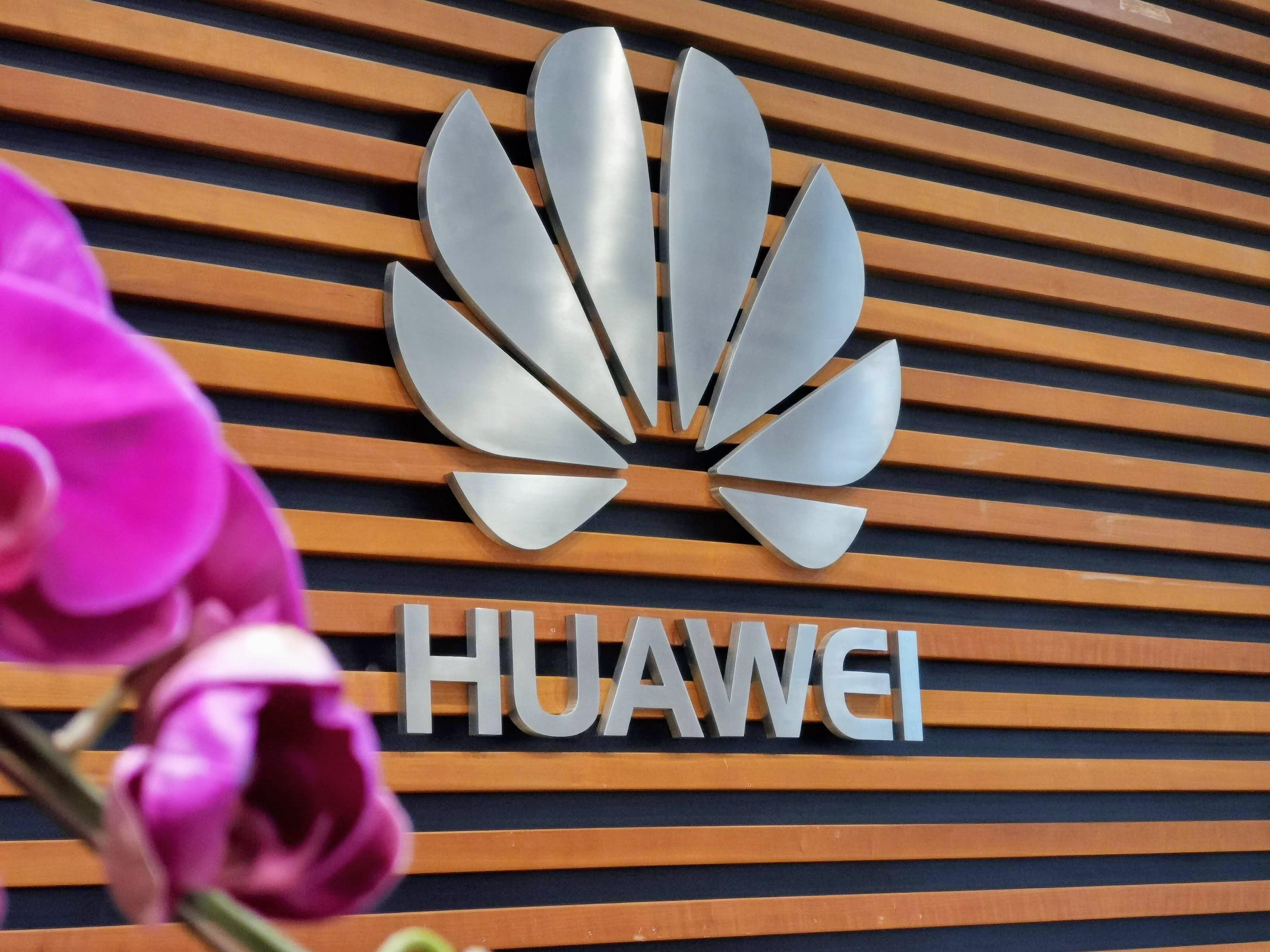 Huawei dément participer à l'espionnage chinois, même si une loi l'y oblige