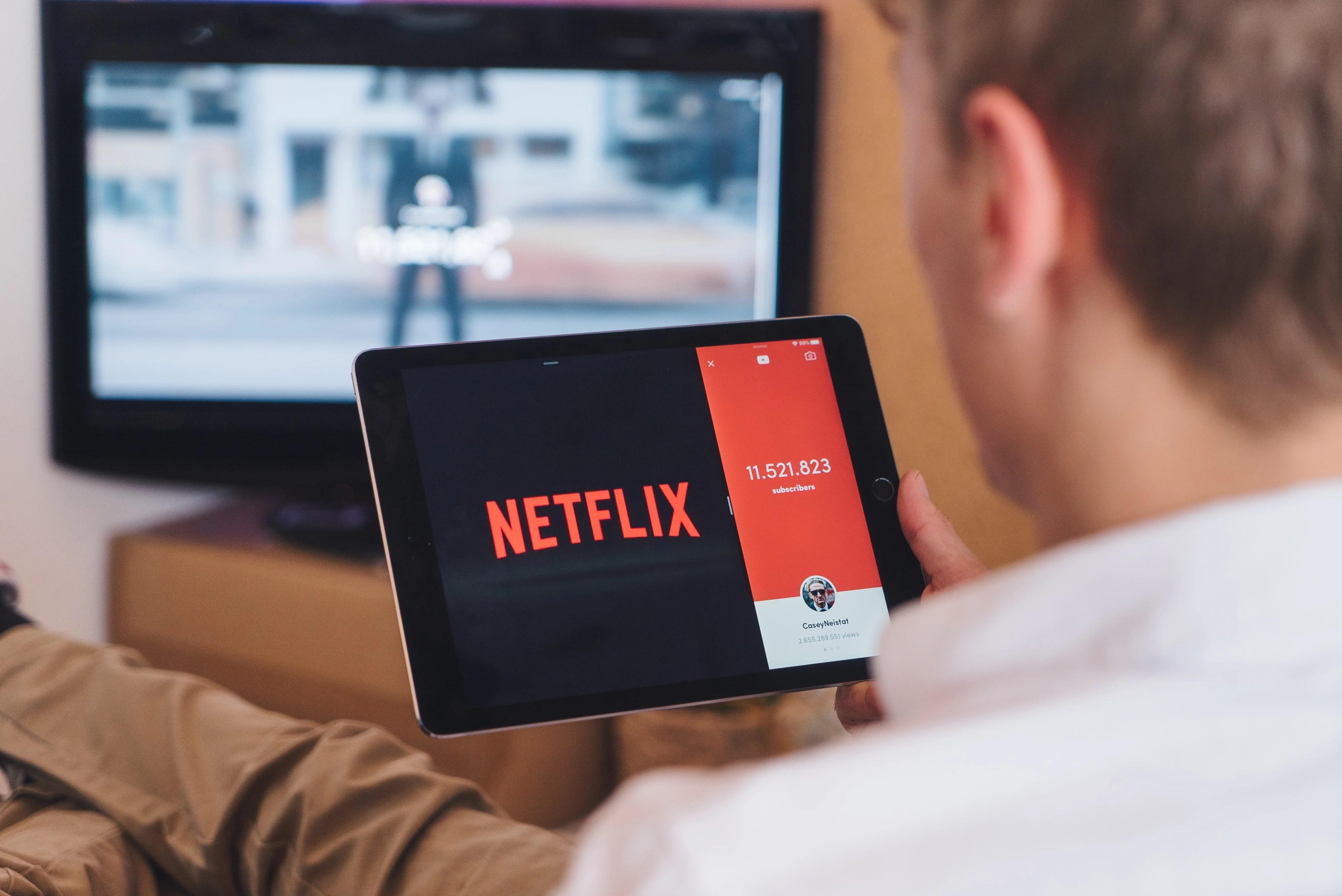 En manque d'évolution, la télé traditionnelle recule toujours plus face à Netflix et consorts