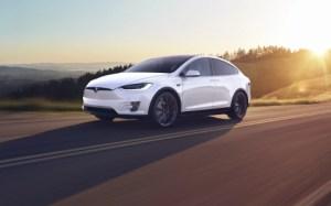Le Tesla Model X s'affiche comme l'un des SUV les plus sûrs du marché