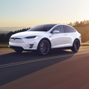 Autopilot : Tesla proposera la conduite autonome par abonnement