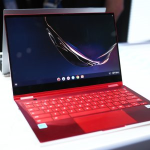 Prise en main du Samsung Galaxy Chromebook : à quand la version Windows 10 ?