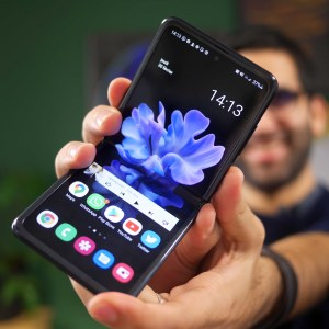 Galaxy Z Flip 2 : Samsung maintiendrait finalement la sortie au printemps